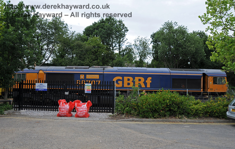 66707 in charge of a waste train at East Grinstead.  07.07.2010  3081