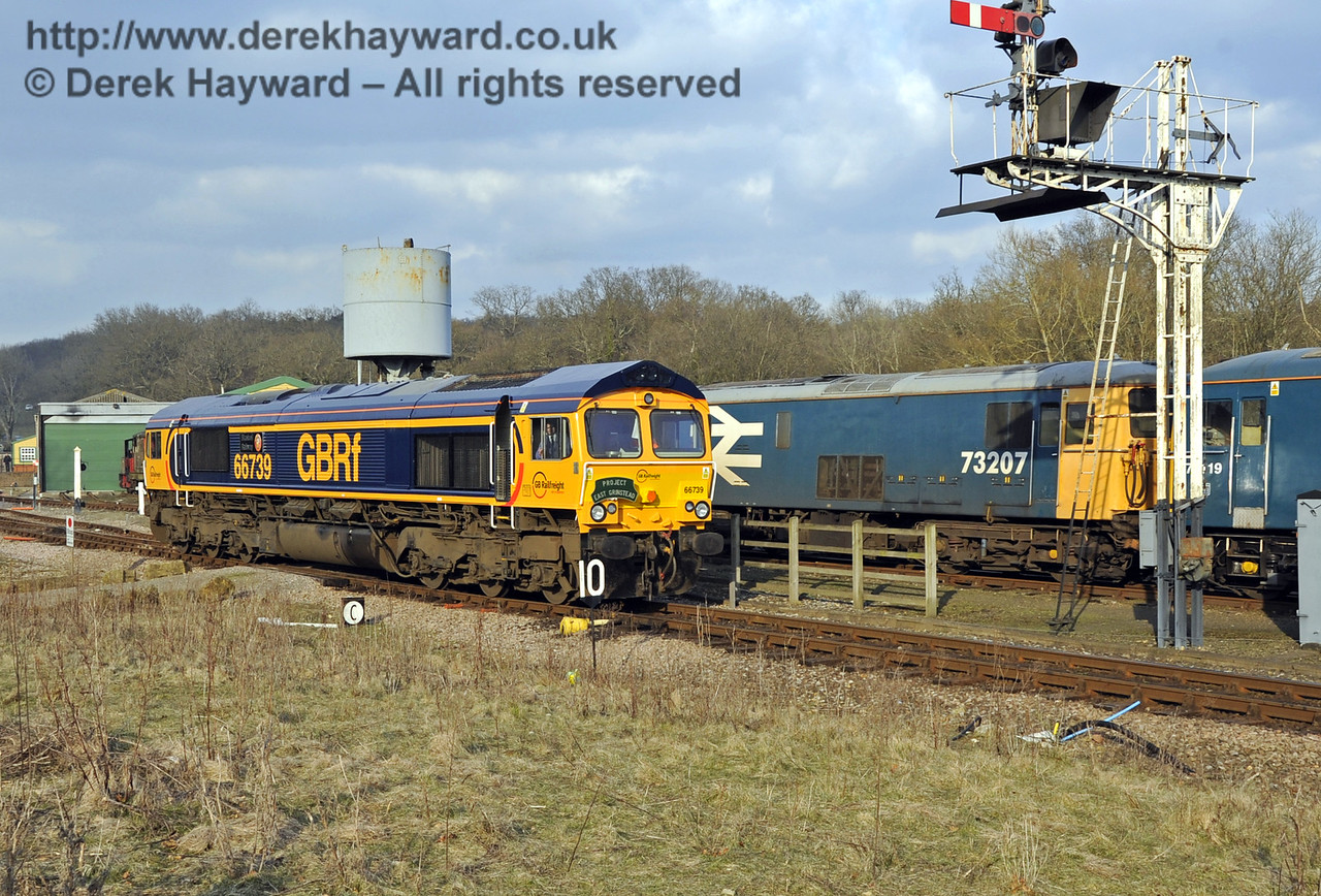"""66739 """"Bluebell Railway"""" passes the Horsted Keynes northbound Inner Home signal.  28.03.2013  6464"""