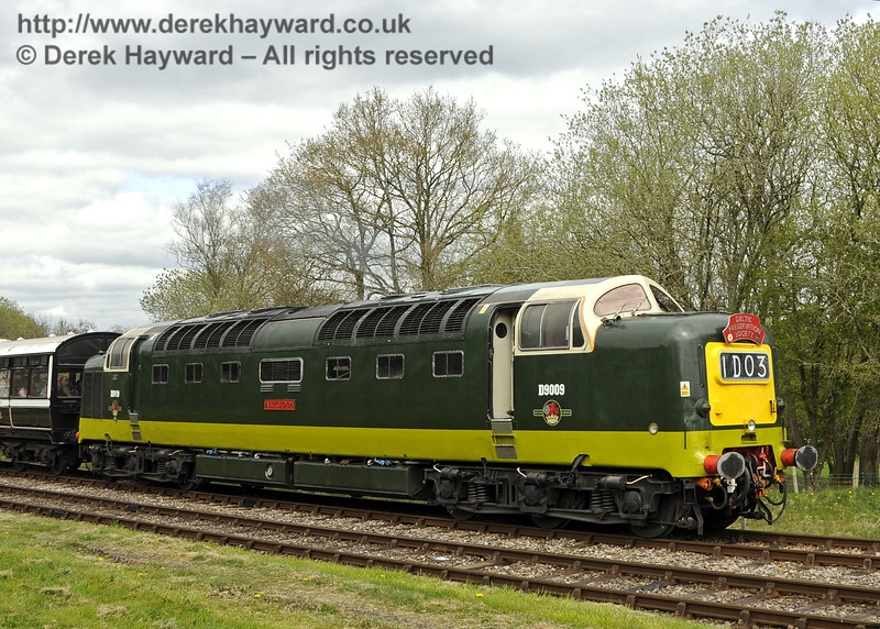 D9009 Alycidon leaves Kingscote.  19.04.2015  12308