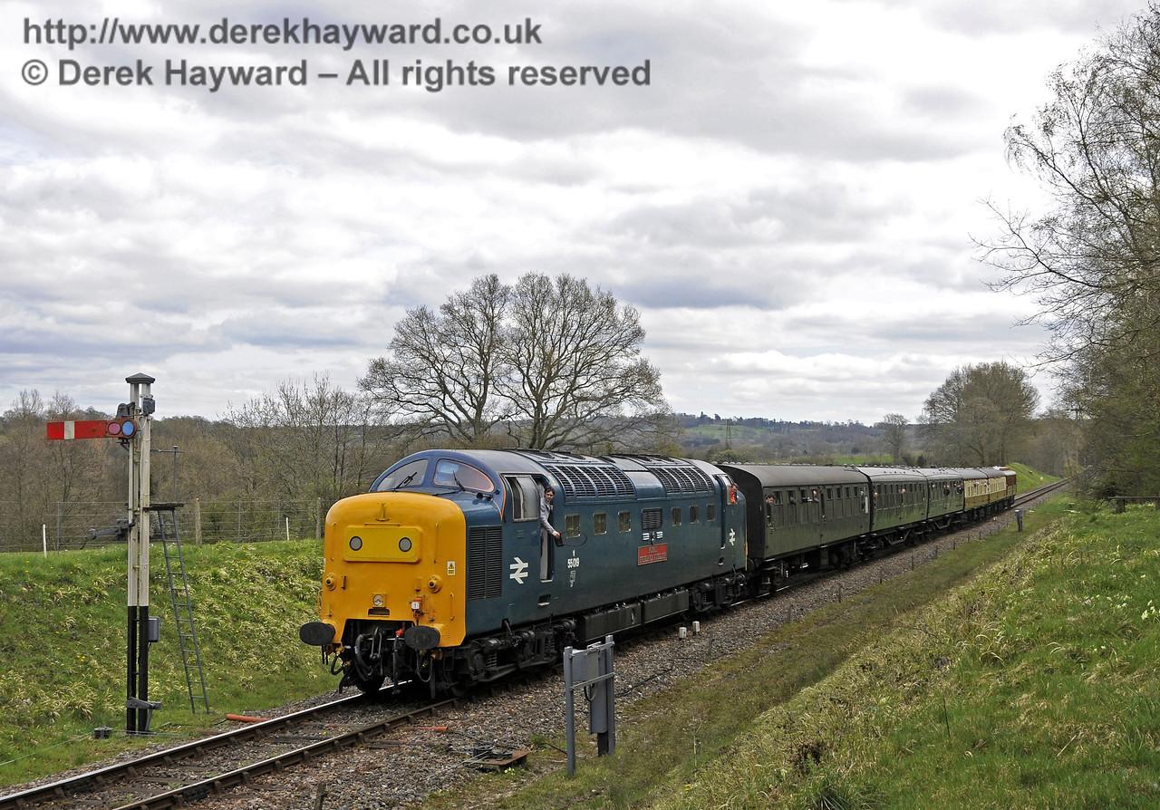 55019 Royal Highland Fusilier approaches Kingscote.  19.04.2015  12312