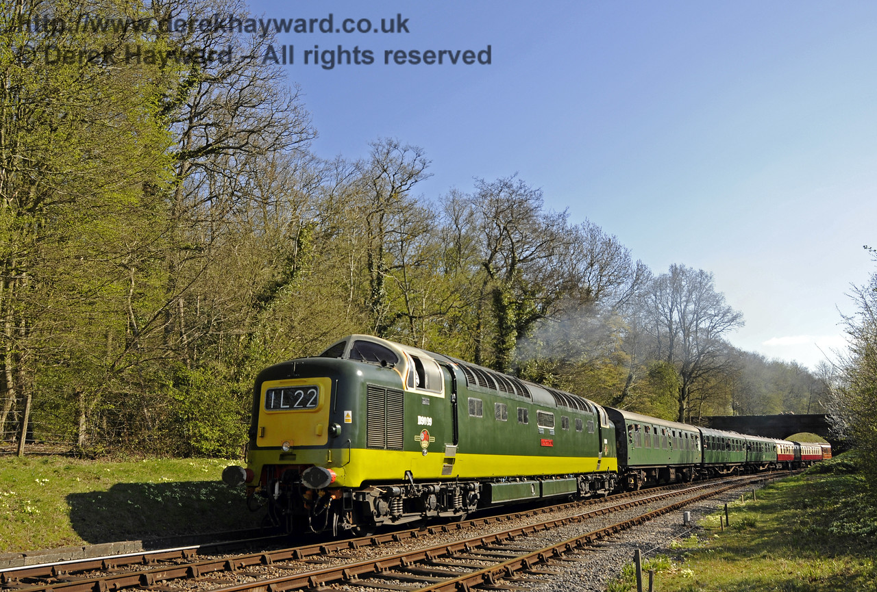 D9009 Alycidon north of Leamland Bridge.  18.04.2015  12295