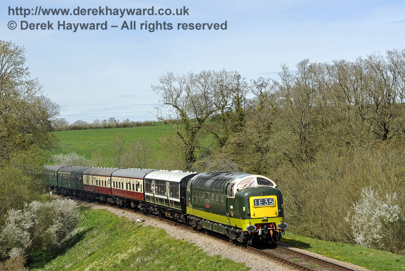 D9009 Alycidon passes Tremains Foot Crossing. 17.04.2015  10735