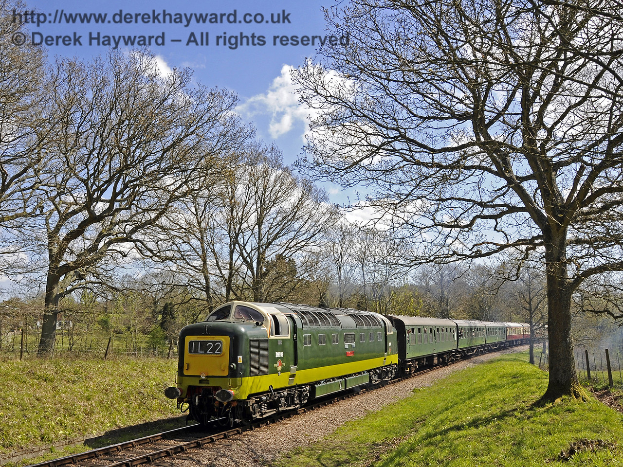 D9009 Alycidon passes Vaux End.  18.04.2015  12258
