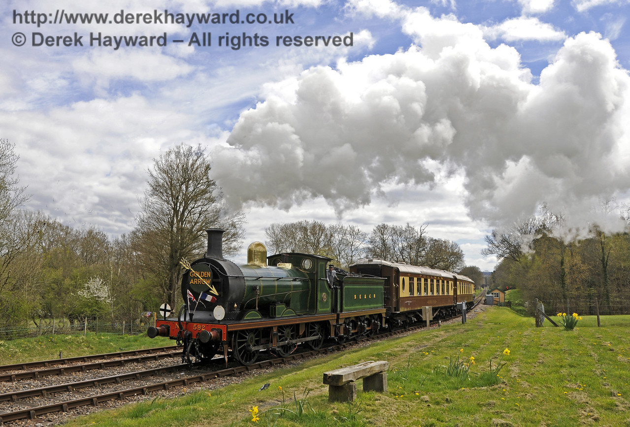 592 returns to service on the Sunday Pullman at Kingscote.  19.04.2015  12303