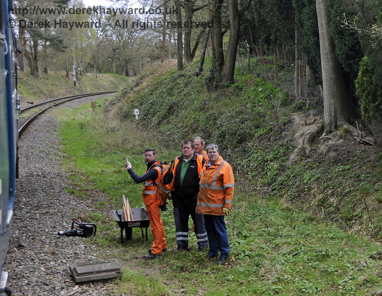Still without a Wickham trolley the PWay team needed assistance from a Deltic to move tools from a (repaired) defective joint near the Kingscote Up Distant signal.  19.04.2015  12321