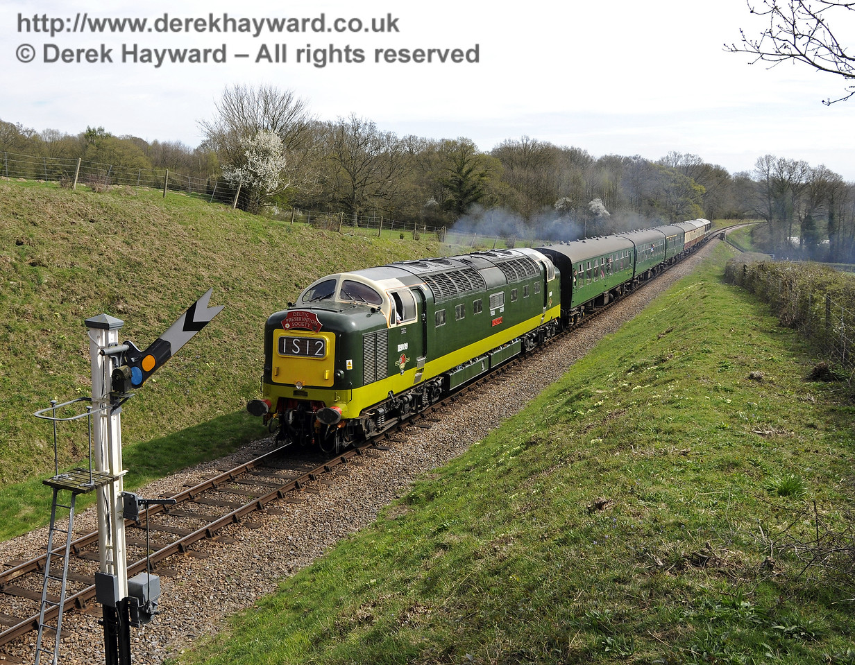 D9009 Alycidon passes the Horsted Keynes northbound Distant signal.  17.04.2015  12209