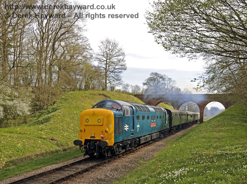 55019 Royal Highland Fusilier passes through Three Arch Bridge.  17.04.2015  12221
