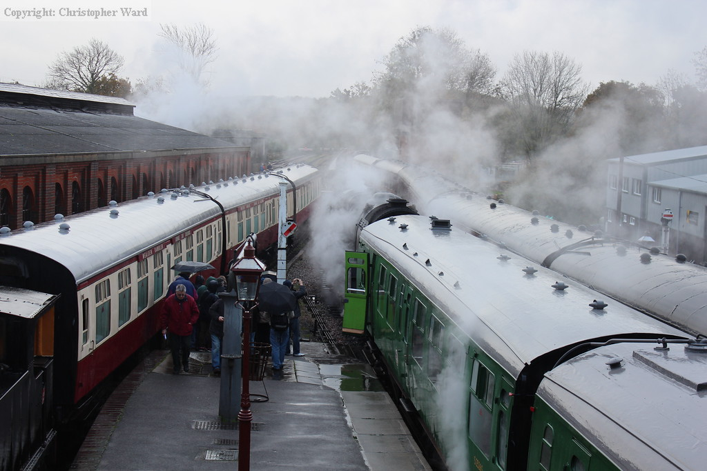 A cacophony of steam as 92212 arrives to join the tour