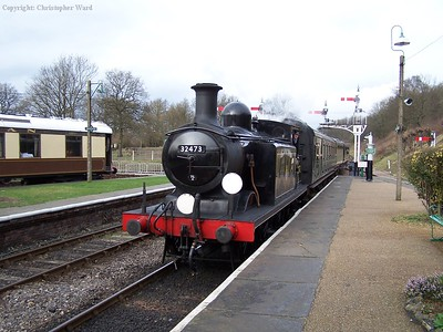 32473 arrives at Horsted
