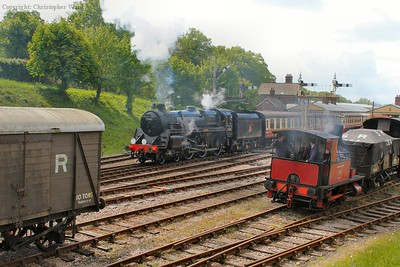 The Standard 5MT takes her shortened 4 carriage train out of Horsted Keynes