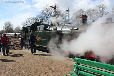 5643 blows steam at Horsted Keynes
