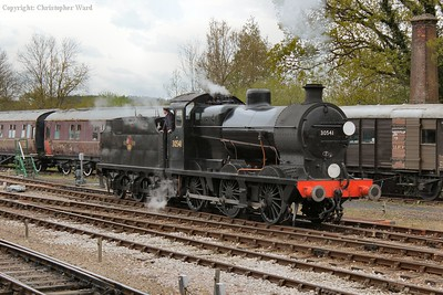 30541 drops down into the Ardingly siding to pick up the Queen Mary brake van