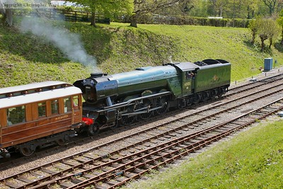 With GNR saloon 43909 for company, Scotsman approaches Horsted Keynes