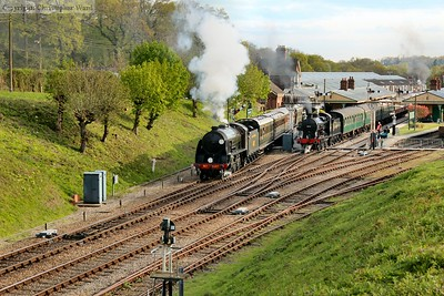 The S15 gets away from Horsted Keynes as the Q is attached to the Standard's set