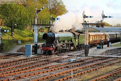 Flying Scotsman brings Tuesday's dining train through Horsted platform