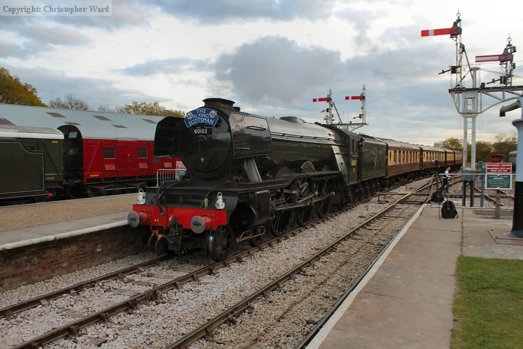 60103 accelerates with the Kingscote token safely on board
