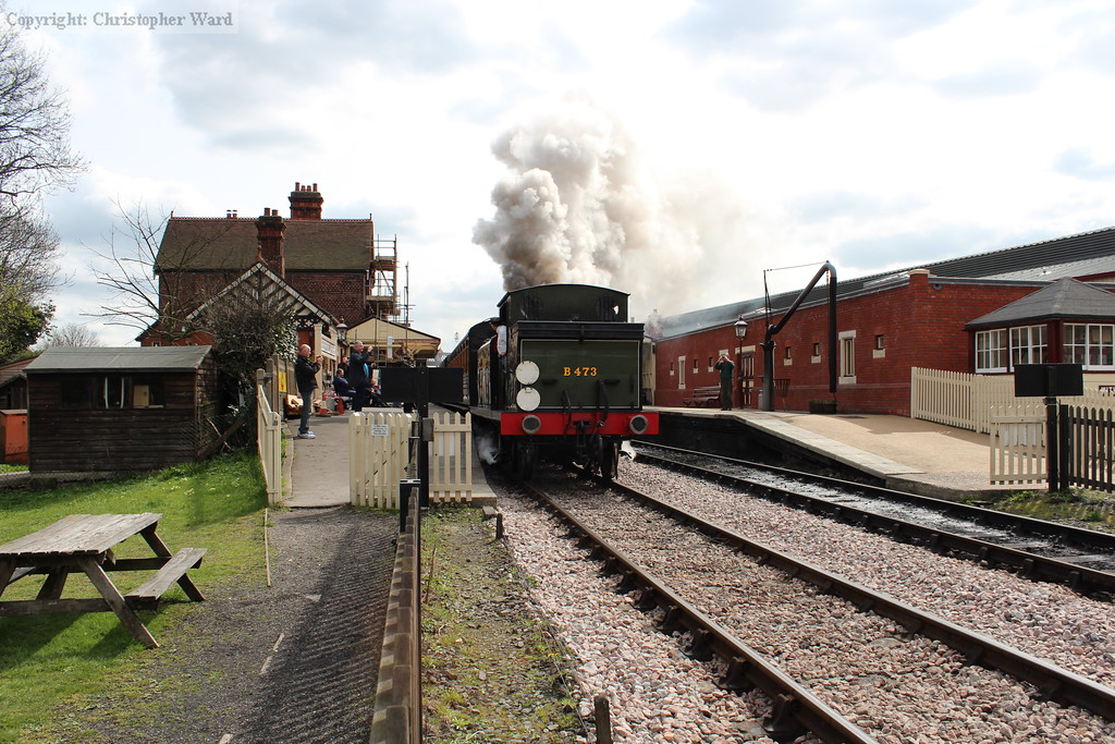 B473 pulls away from Sheffield Park
