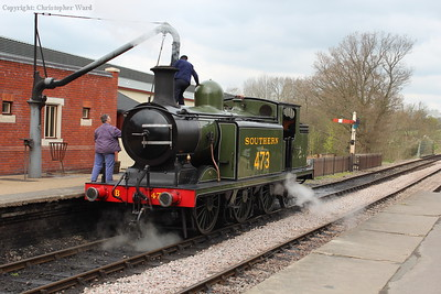 B473 takes on water on Platform 2