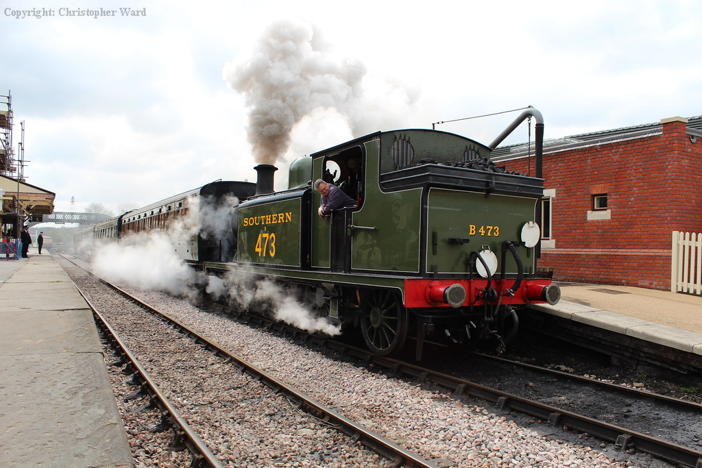 B473 pulls out of the station
