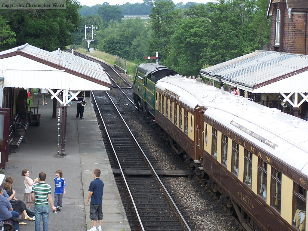 The Pullman waits departure