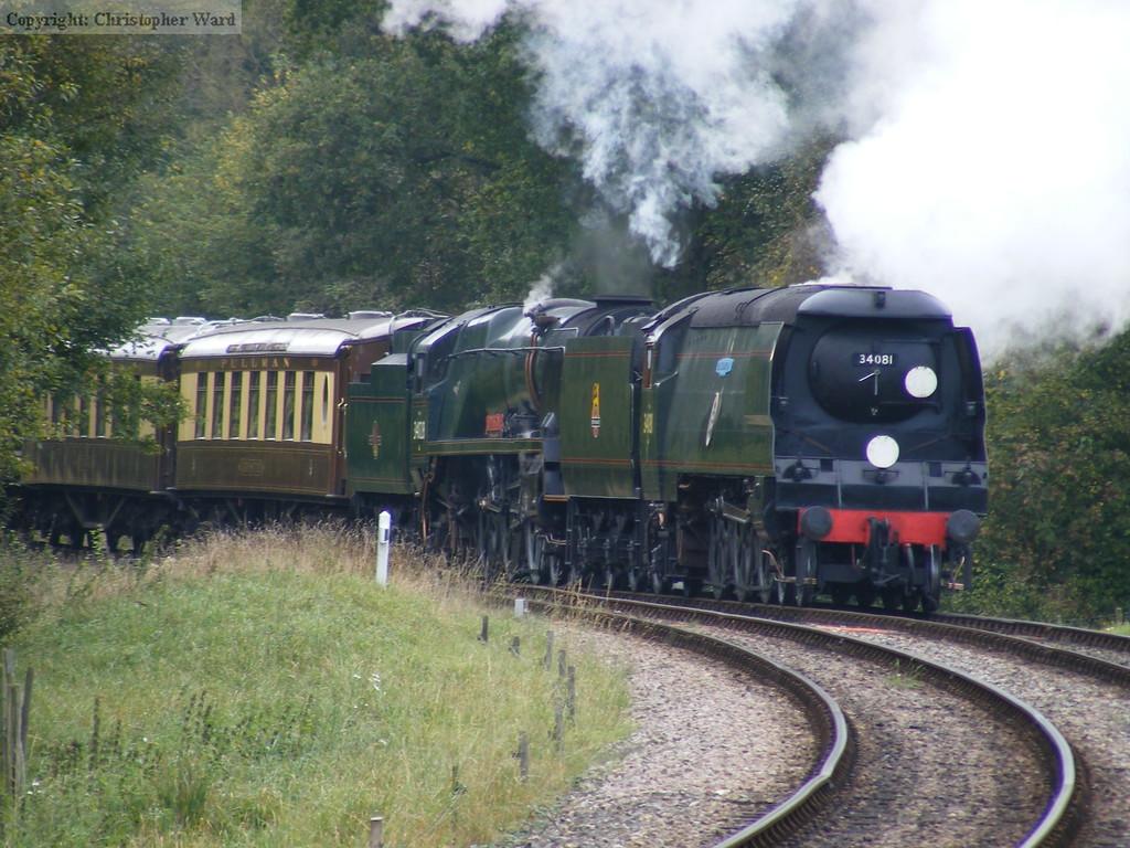 34081 leads 34028 into Kingscote