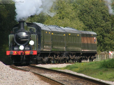 B473 rounds the curve on the approach to West Hoathly