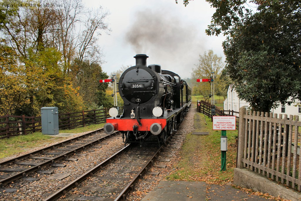 The Q class arrives at the autumnal Kingscote