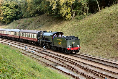 Having taken over the stock of the 8F's train with the LMS beast briefly sidelined, 847 brings in a train from East Grinstead