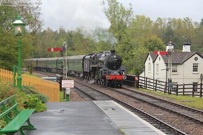73082 (as 73087) brings her train in
