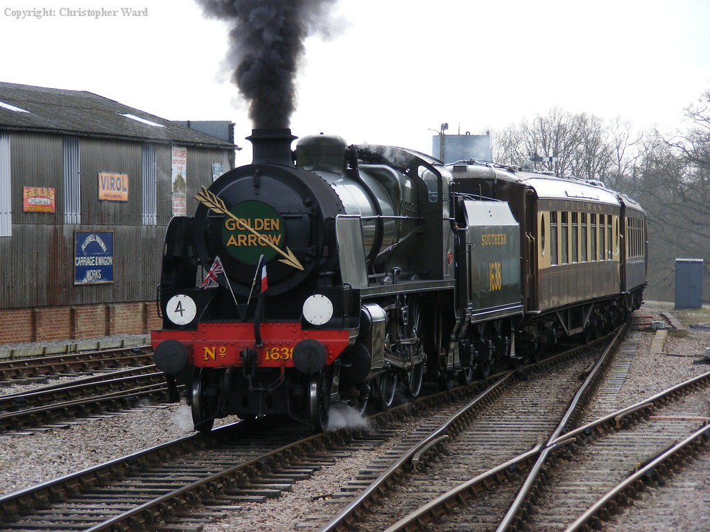 The dining train arrives