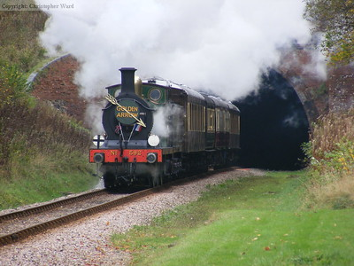 592 exits the tunnel with the luncheon Golden Arrow