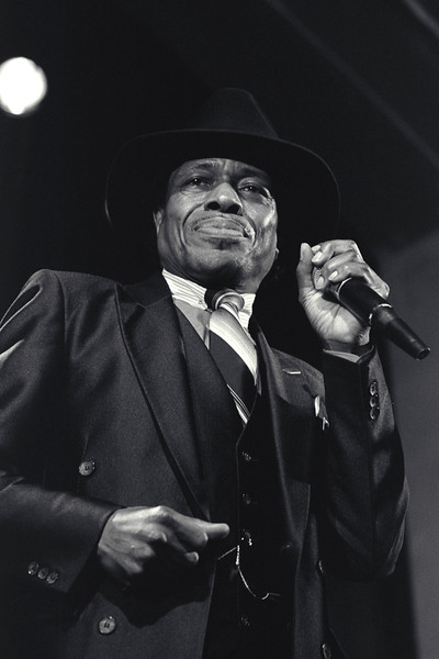Junior Wells plays with Buddy Guy at the Omni in Oakland, CA in 1987