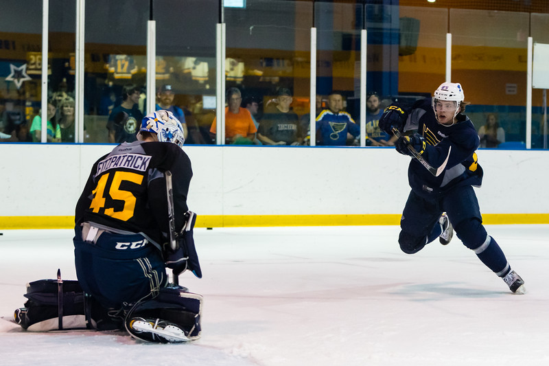 July5,2016 - Hazelwood - MO, Unites States of America. St Louis Blues Prospect Filip Helt (86) with a wicked release against Evan FItzpatrick (45)during St. Louis Blues 2016 Prospect Camp at Ice Zone