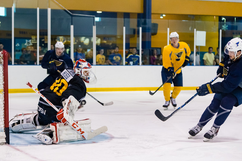 July5,2016 - Hazelwood - MO, Unites States of America. St Louis Blues Prospect Ville Husso (40) makes another save against MacKenzie MacEachern (62) during St. Louis Blues 2016 Prospect Camp at Ice Zone
