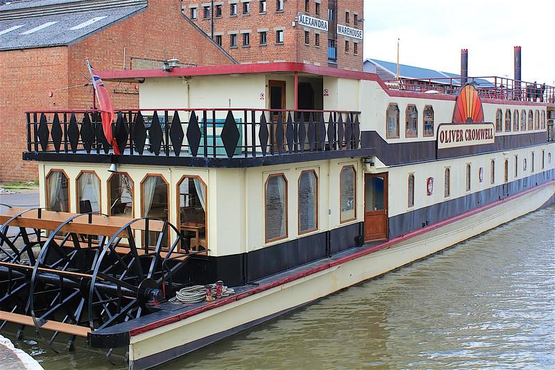 Hotel Boat Gloucester