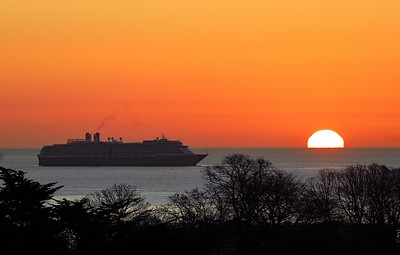 Oosterdam at sunrise in Torbay