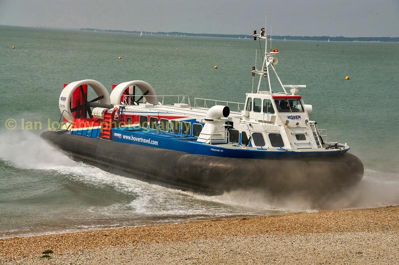 Hovercraft coming ashore