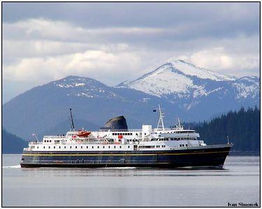 """M/V MALASPINA"", Alaska Marine Highway ferry approaching Wrangell, Alaska, USA.-----""M/V MALASPINA"", jedna z lodi aljasske namorni dalnice na ceste do Wrangellu, Aljaska, USA."