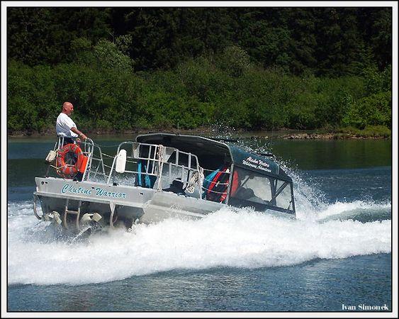 """THRILLING EXPERIENCE"", Alaska Waters Chutine Warrior doing 360 degree turn at high speed.Stikine river, Alaska, USA.-----""VZRUSUJICI ZAZITEK"", Alaska Waters Chutine Warrior delajici zatacku 360 stupnu za vysoke rychlosti.Reka Stikine, Aljaska, USA."