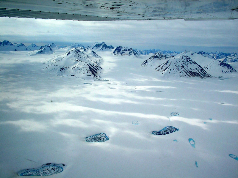 Flying day 3 was back over amazing ice fields, mountains and glaciers.
