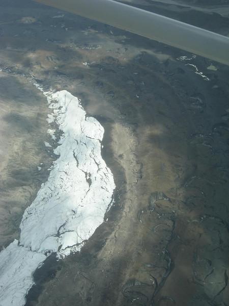 over the glaciers on McKinleyÆs side slopes.
