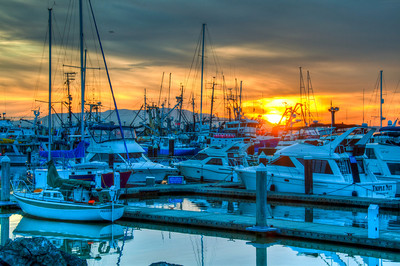 boat-harbor-sunset