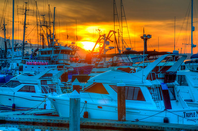boat-harbor-sunset-2