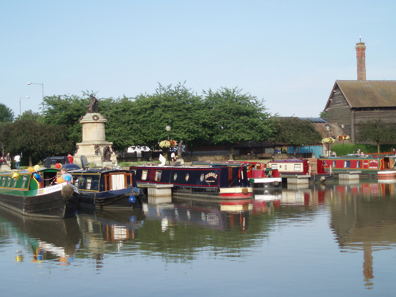 England has preserved and restored most of its old canals.  Instead of working canals, they are now pleasure boating canals.  You could think of it as England's version of motor homes.<br /> <br /> Narrowboats on the Avon near Stratfort. These boats were generally iron hull barges that were rebuilt as live-in canal boats.  They can be 40-50 feet long and only seven feet wide.  The earliest canals in England were built in the early 1700's to transport coal.