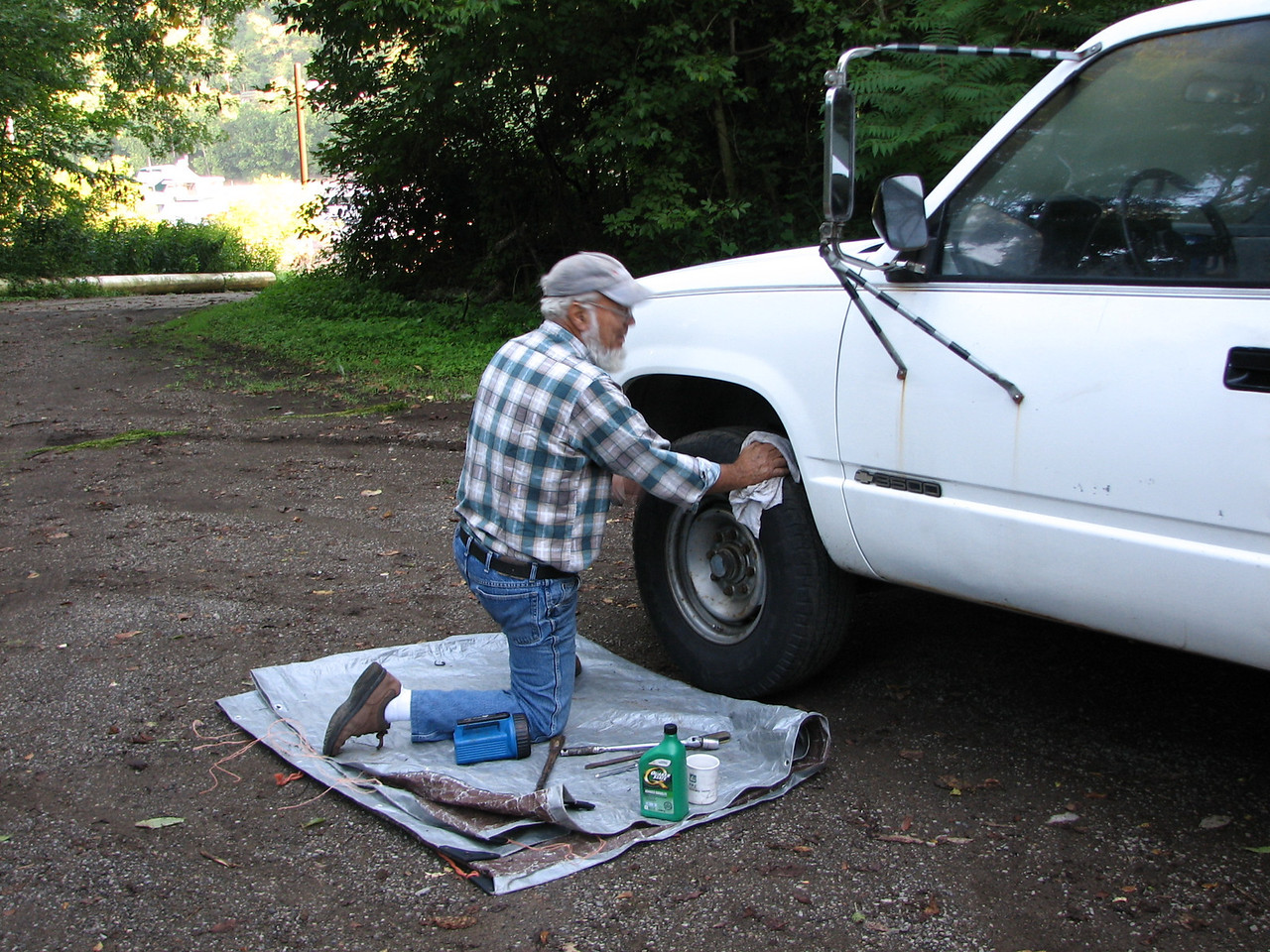 Lynn needed to replace the front brakes on the truck before we launched BPE.