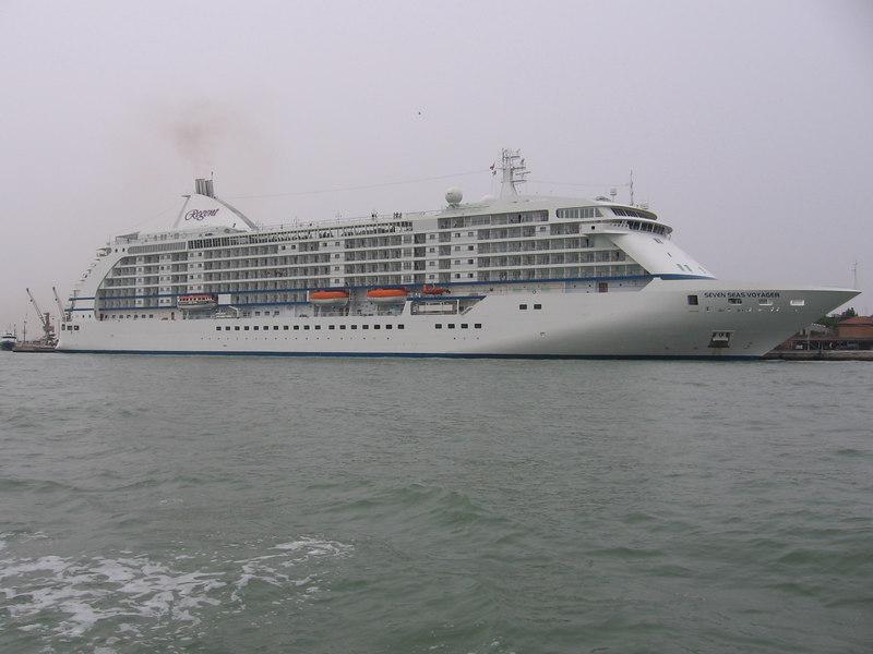 Regent's SEVEN SEAS VOYAGER