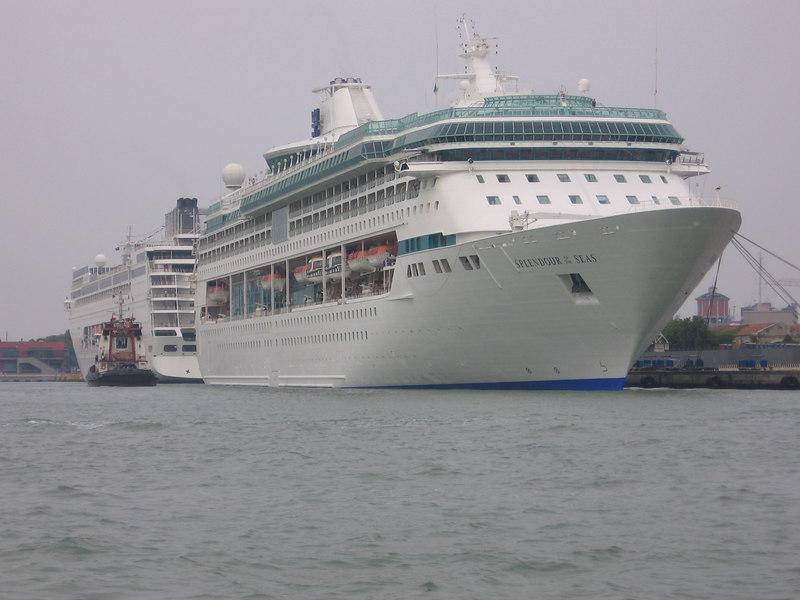 MSC ARMONIA and SPLENDOUR OF THE SEAS