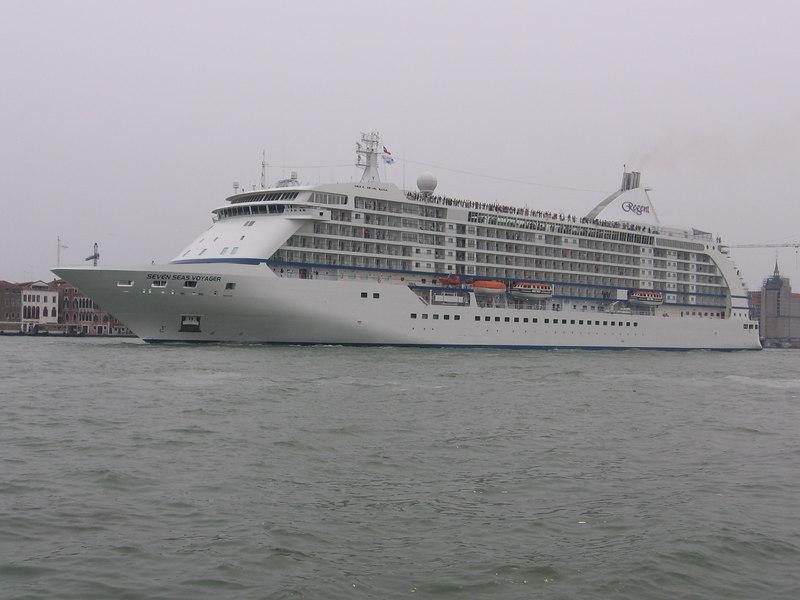 SEVEN SEAS VOYAGER leaving.