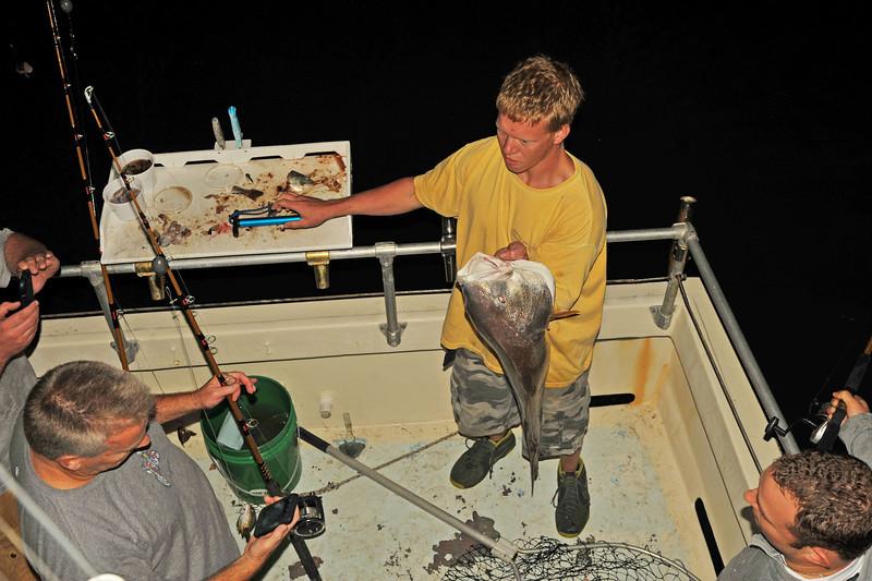 Ospo Night Fishing - Mate David with 25lb Bull Red 11-01-13