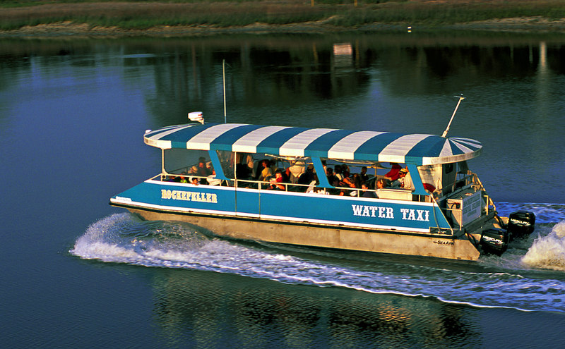 Water Taxi Running in Jekyll Creek